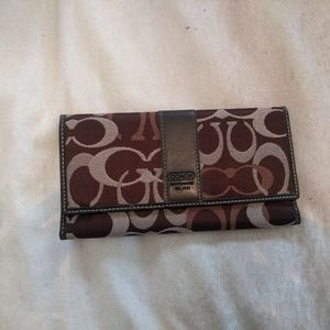 Coach Signature Wallet Trifold